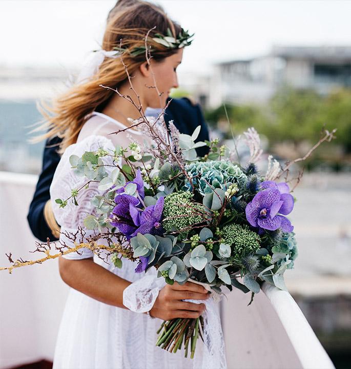 bride-purple-bouquet.jpg